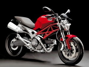 ducati-monster-696-left